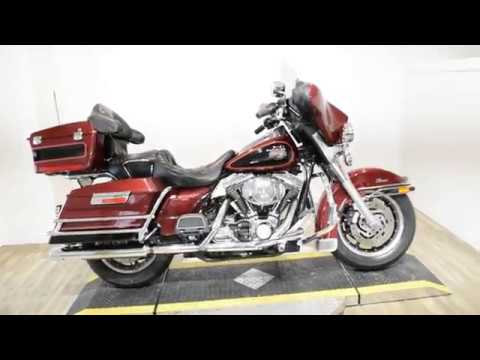 2002 Harley-Davidson FLHTC/FLHTCI Electra Glide® Classic in Wauconda, Illinois - Video 1