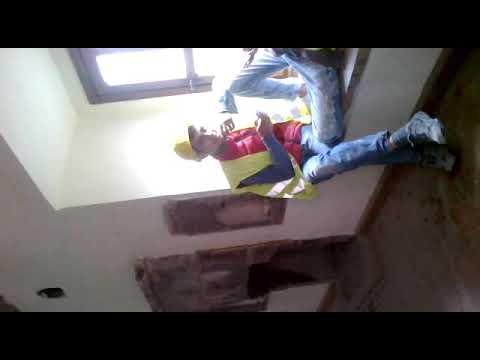 Εργάτες ξαποσταίνουν σε δωμάτιο στην Παναγία Σουμελά Τραπεζούντας