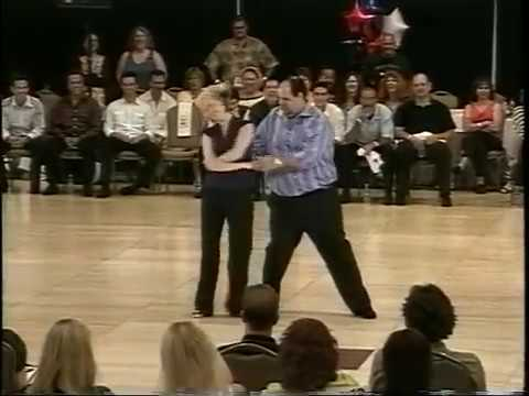 כשהוא עלה על רחבת הריקודים, כולם הופתעו!