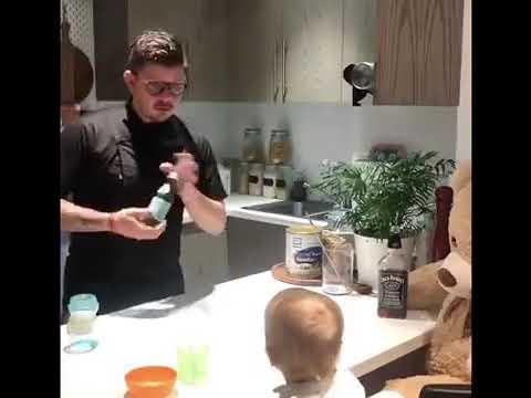 סרטון מקסים של אבא ברמן מכין לתינוקת אוכל בסטייל