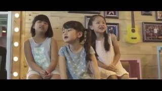 Tôi thấy hoa vàng trên cỏ xanh - Hoàng Quỳnh Hương (MV English )