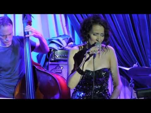 Chopin's Prelude in E Minor - Tessa Souter's 'Beyond The Blue' at the Blue Note, New York