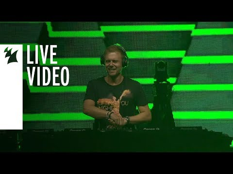 Armin van Buuren feat. Candace Sosa - Runaway [Live at A State Of Trance 900, Mexico]