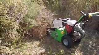 preview picture of video 'Prova sul campo trinciatutto MGM LAMPACRESCIA TTR 580 - Carloforte 20/1072014'