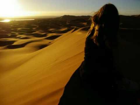 Immagine testo significato Camera con vista sul deserto