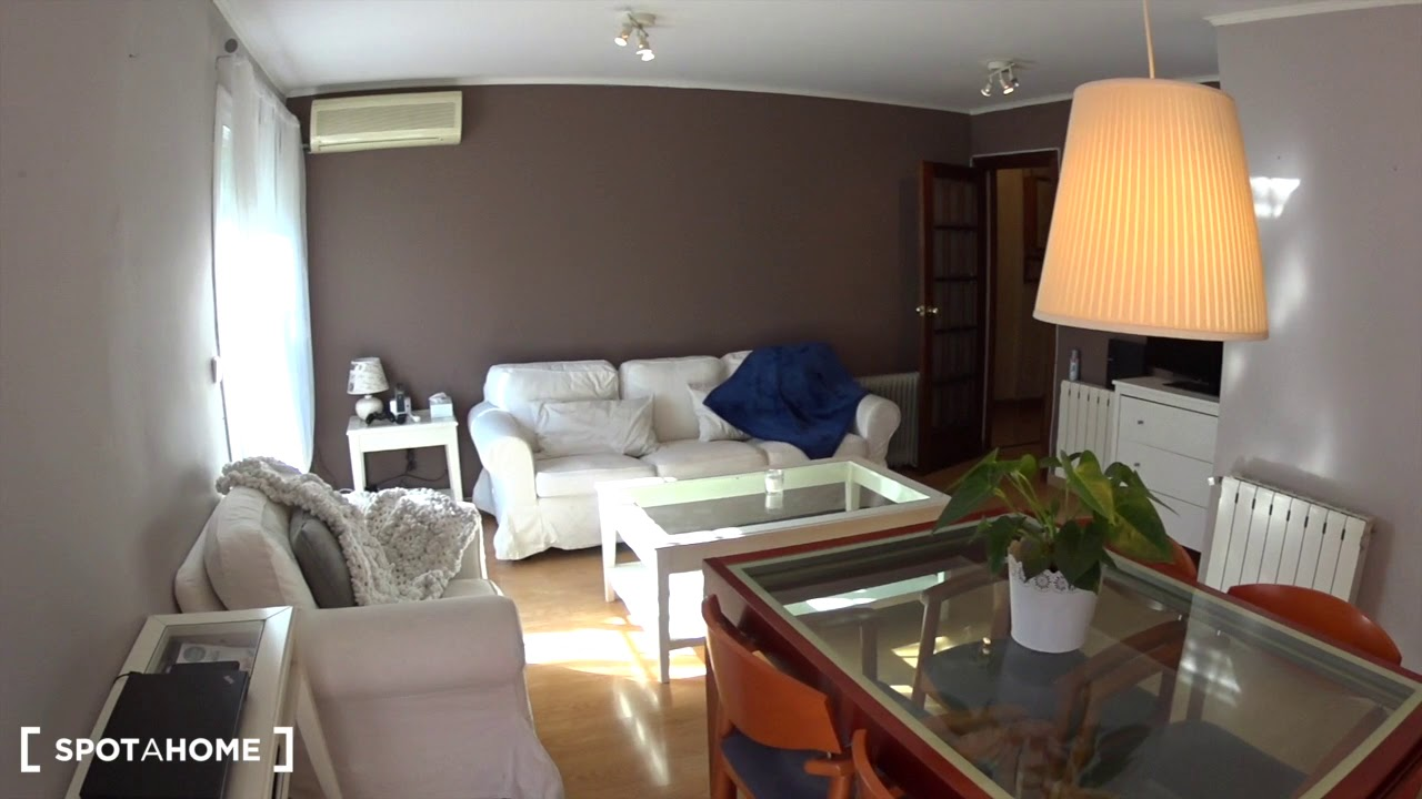Rooms for rent in stylish 2-bedroom apartment with terrace in Gràcia