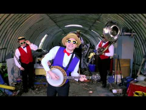 Jonnie & The Junkyard Fellas Video