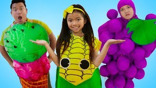 Emma Pretend Play Selling Fruits & Veggies Toys with Farmers Market Toy