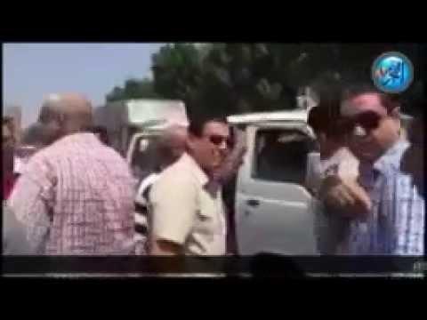 محافظ الشرقية يسب سائق بسبب رفع الأجرة ويقول له إنزل يا كلب