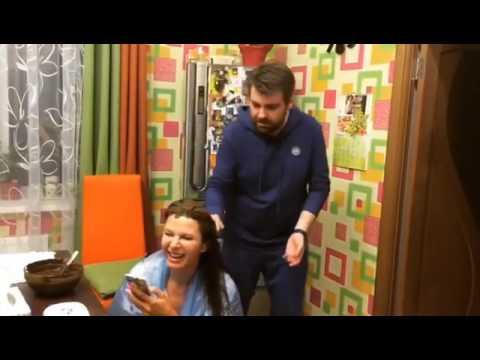 Забавное виде Эвелины Бледанс с мужем