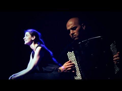 Piaf, l'être intime, avec Clotilde Courau et l'accordéoniste Lionel Suarez