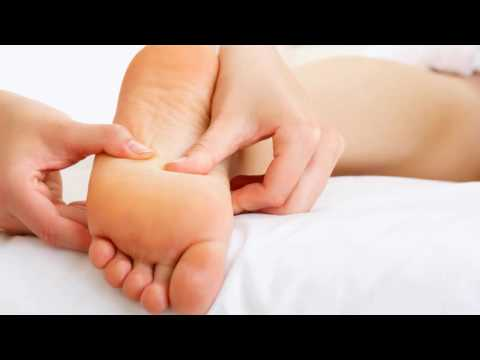 Почему болят стопы ног?