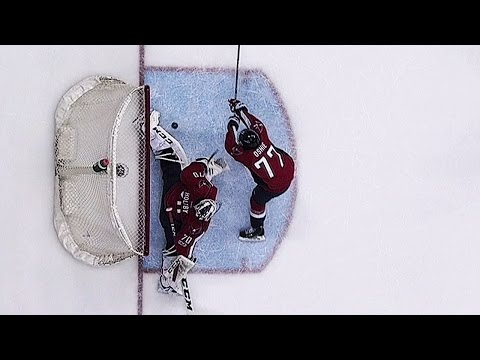 Holtby denies Frolik a goal with nice pad save