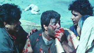 Dharmendra Shatrughan Sinha Hum Se Na Takrana  Action Scene 14/14