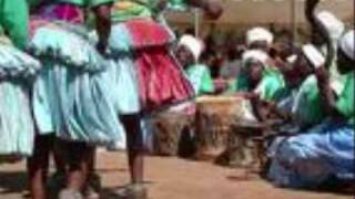 Richard Maceke Na Makhasa Sisters - Boyi Se Wa Tirha