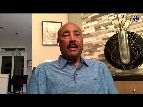 Harold Reynolds chats with Cito Gaston