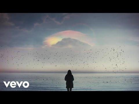 Illya Kuryaki & The Valderramas - Sigue (Official Video)