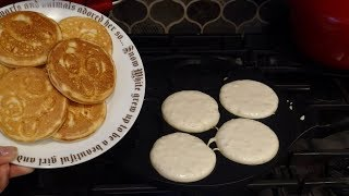 How to Use a Pancake Pan! Cute Silver Dollar Pancakes!