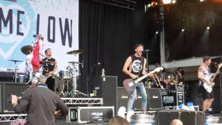 All Time Low - Something's Gotta Give (Live Soundwave Festival, Melbourne 21/2/15)