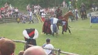 preview picture of video 'Gaudium Equites Poingorum - Knight's Tournament (short)'