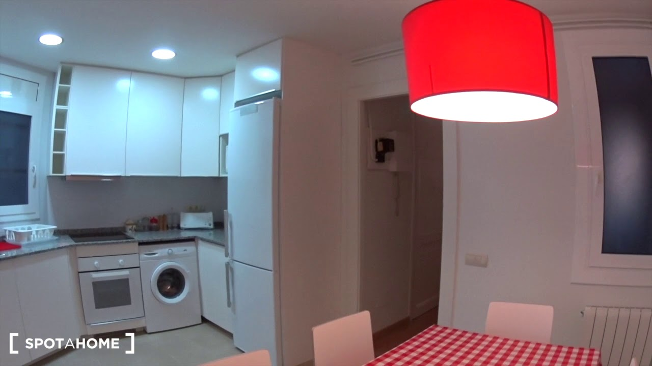 Rooms for rent in stunning 4-bedroom apartment in Gracia, Barcelona