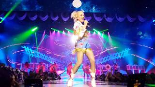Gwen Stefani - Make Me Like You and Hey Baby 6/27/18