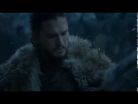 Game of Thrones 6x05 Sansa gives Jon the cloak she made