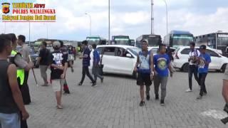 KAPOLRES MAJALENGKA MENERIMA SUPORTER AREMA DI KM 164 CIPALI JATIWANGI