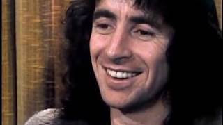 Bon Scott - London, England Interview (1977)