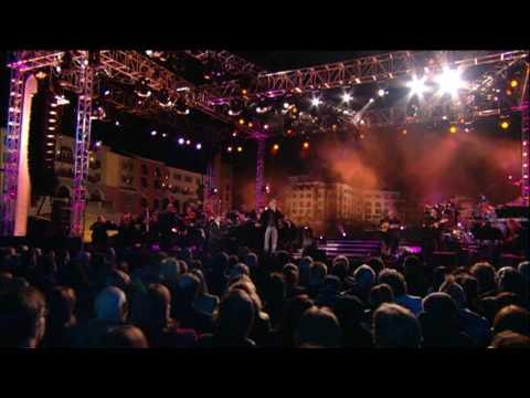 הביצוע הסוחף של אנדראה בוצ'לי לשיר האהבה המוכר והמרגש