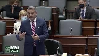 Kanada buduje obozy zatrzymań, aby wiezić ludzi!!-nagranie w j.angielskim