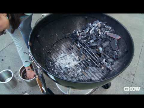 How to Turn Your Charcoal Grill into a Smoker – CHOW Tip