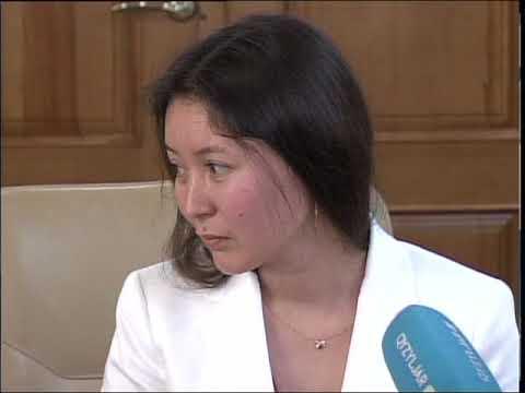 Самал Еслямова получила ключи от 3 комнатной квартиры от К.Аксакалова