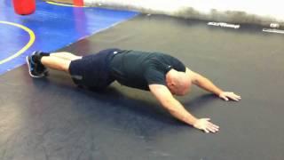 【強靭な体幹を作ろう】体幹部を強化するスーパーマンプランク!