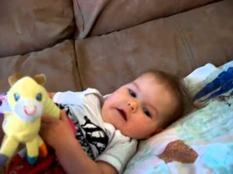 Video perkembangan bayi 7 bulan | perkembangan bayi usia 7 bulan