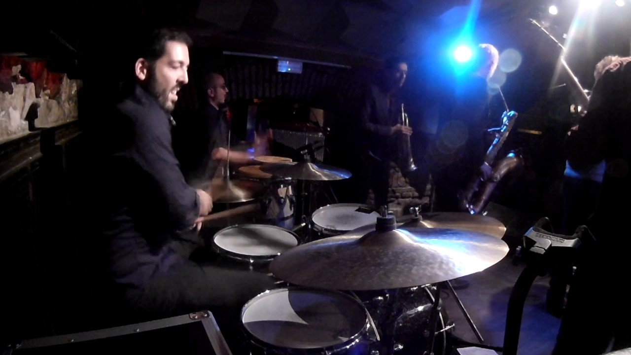 "DrumCam - ""Feel the Shots"" ao vivo com The Slingshots em Barcelona"