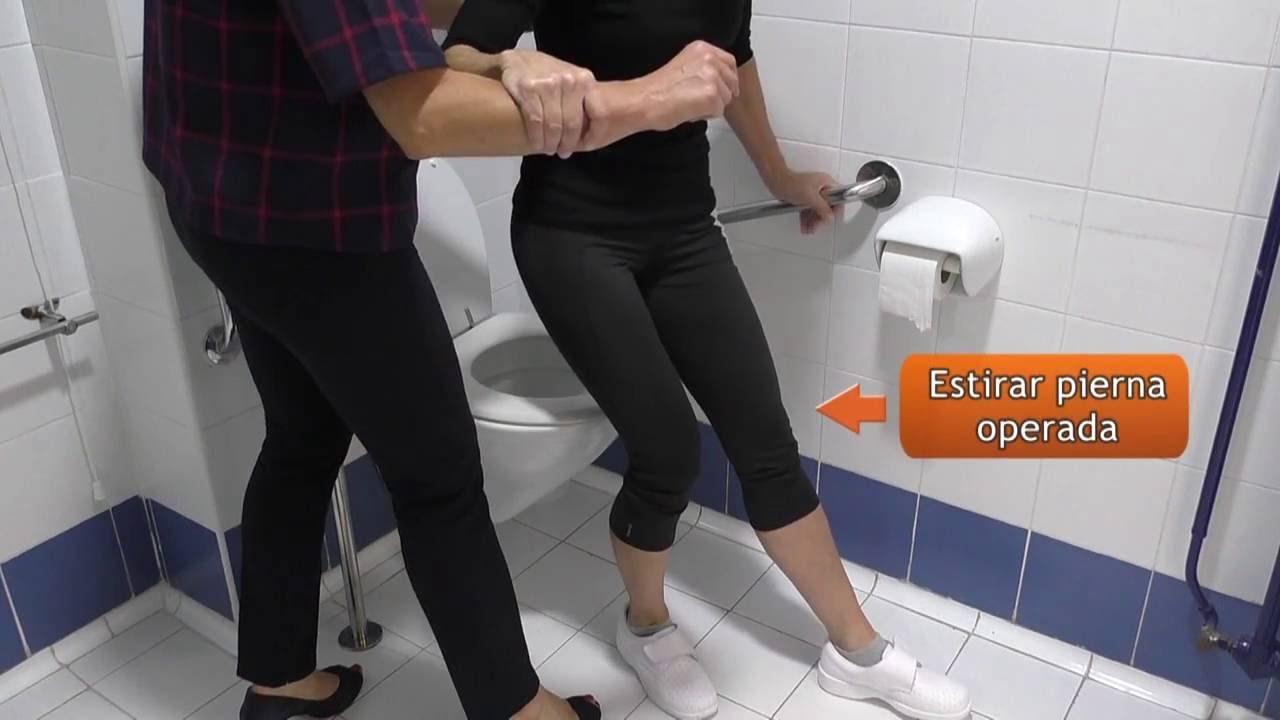 Vídeo sobre Escuela de cadera. Uso del inodoro con ayuda.