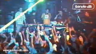 preview picture of video 'Soniko-dB  @ Planet K - Sala Canelas (Portonovo) [05-06-2002]'