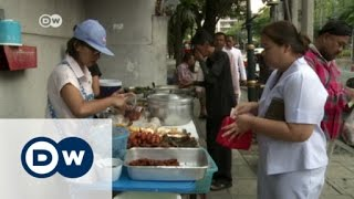 Bangkok food vendors struggle after ban | DW English
