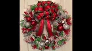 Mesh Curls Christmas Wreath