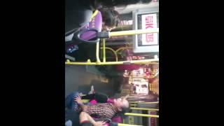 潑辣媽 vs 巴士叔