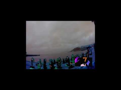 Clase de Yoga en la playa de la Rivera de Ceuta impartida por Edith Rivas