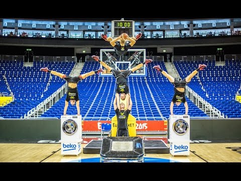hqdefault - Los mates acrobáticos más espectaculares