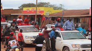 Besigye Akiliza Okwegata Ne Bobi Wine | Hoima Campaign