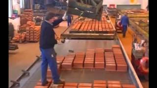 """Erleben Sie in dem Beitrag aus dem beliebtem Fernsehformat """"Abenteuer Leben"""" wie ein RÖTZER-ZIEGEL-ELEMENT-HAUS ensteht.  Das Video zeigt Ihnen auf anschauliche Weise unsere Produktionsabläufe von der Herstellung unserer ZIEGEL-ELEMENT-Wände bis hin zur Montage auf der Baustelle."""
