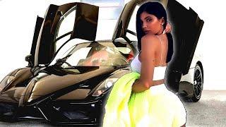 Kylie Jenner Recibe Ferrari de $1.4 Millones por Convertirse en Mamá