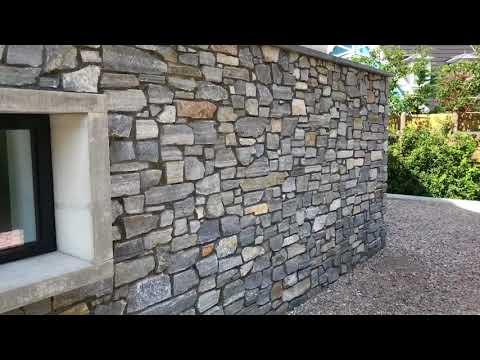 Rocks Steenstrips - huis met rieten kap