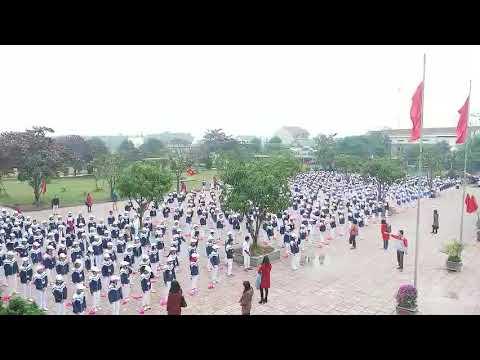 Màn thể dục giữa giờ trên nền nhạc của học sinh trường THCS Lưu Vĩnh Bắc Sơn, Thạch Hà, Hà Tĩnh