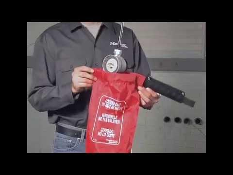 Captura de pantalla de 453L de Master Lock Safety - Cubierta para enchufe extragrande y control del elevador