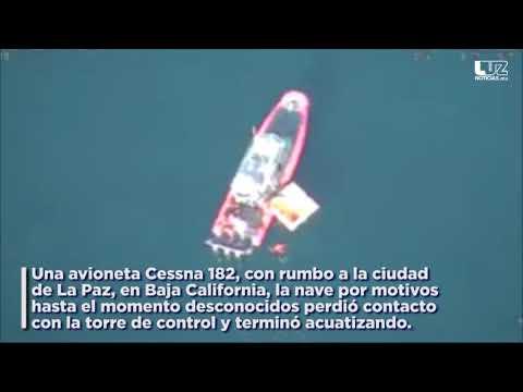 Se estrella avioneta en el mar y rescatan a cuatro personas